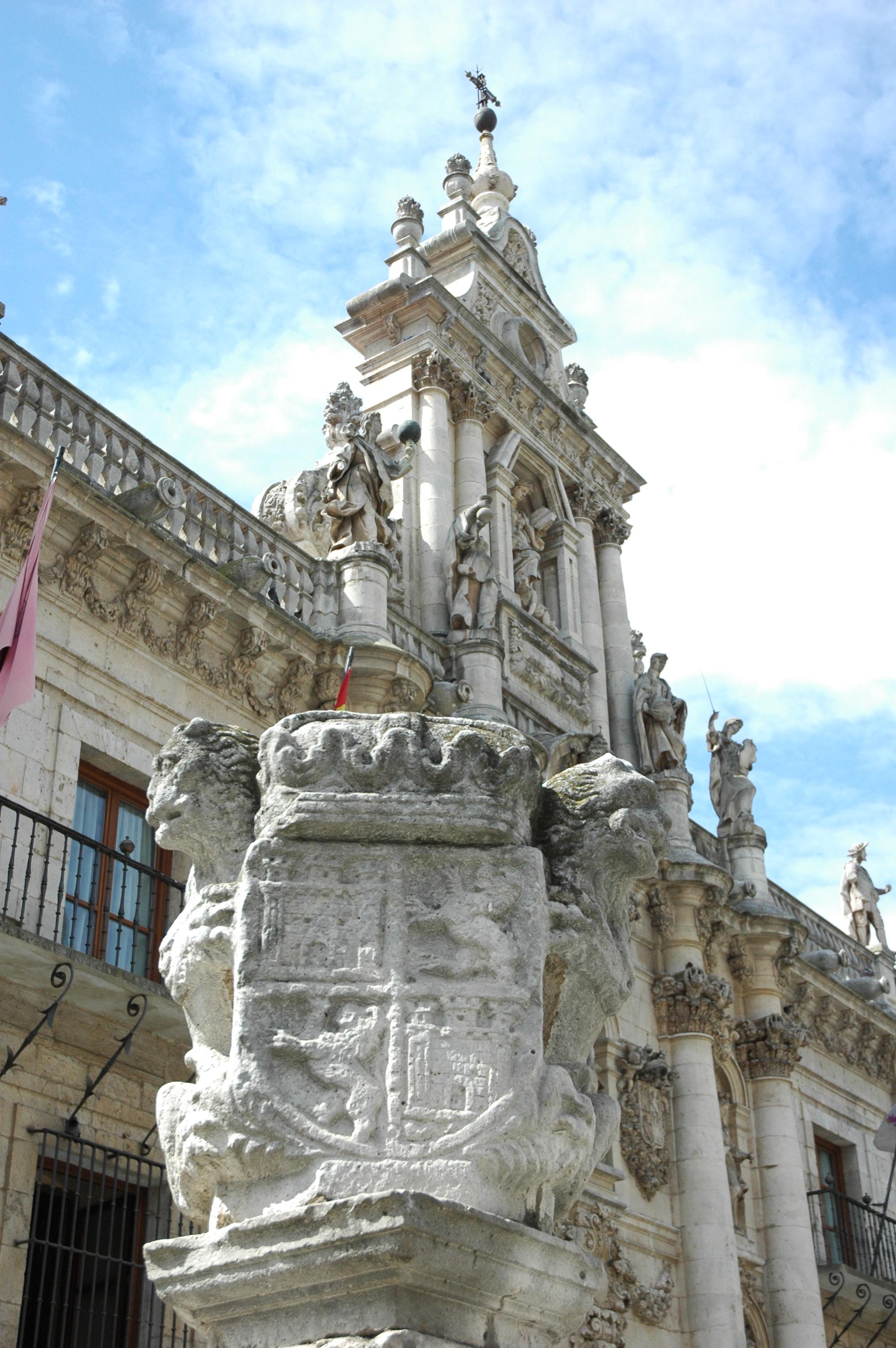Valladolid, Fachada barroca 1716-1718 del edificio de la Universidad, hoy Facultad de Derecho